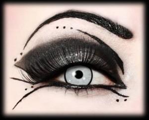maquillage yeux goth